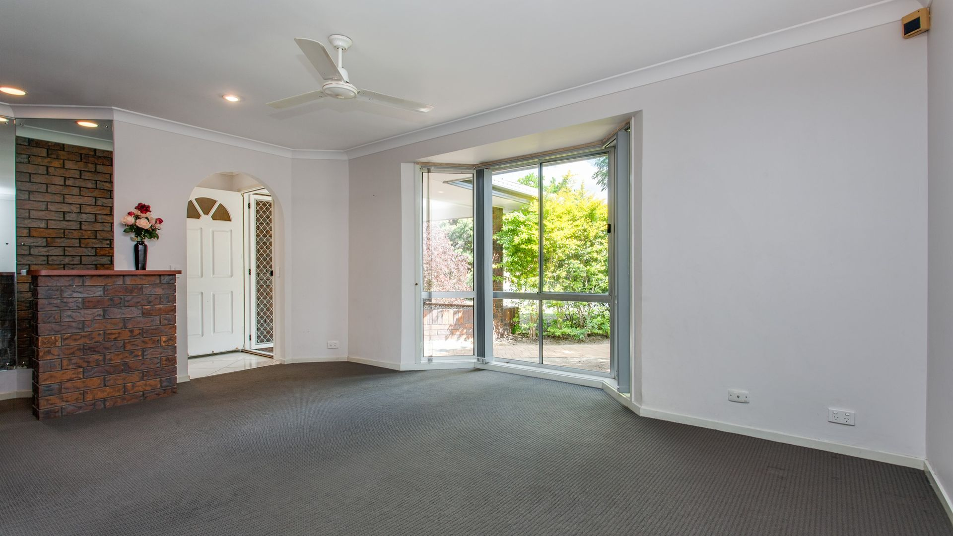 4 Lalina Street, Middle Park QLD 4074, Image 2