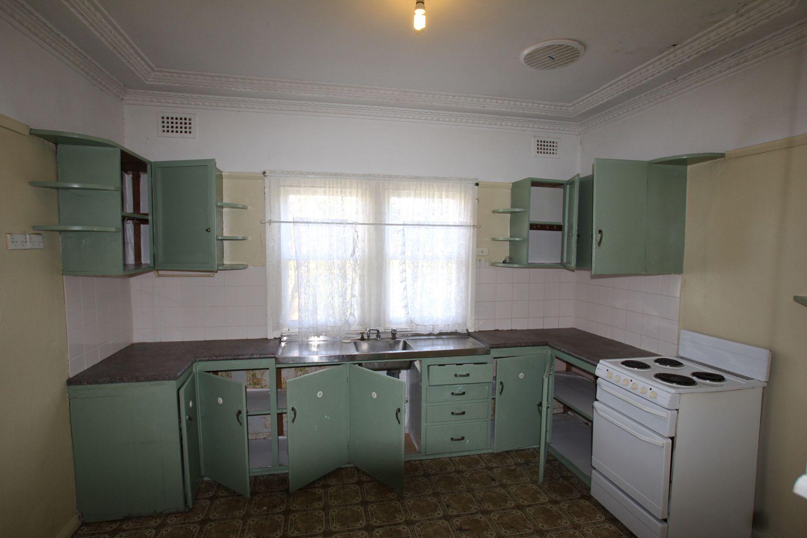 40 Bronzewing Street, Tahmoor NSW 2573, Image 2