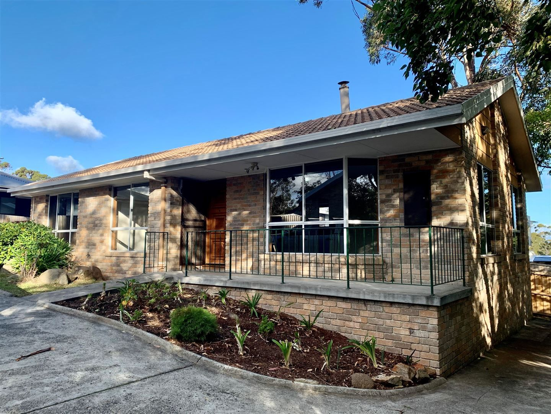 3 bedrooms Villa in 3/498 Nelson Road MOUNT NELSON TAS, 7007
