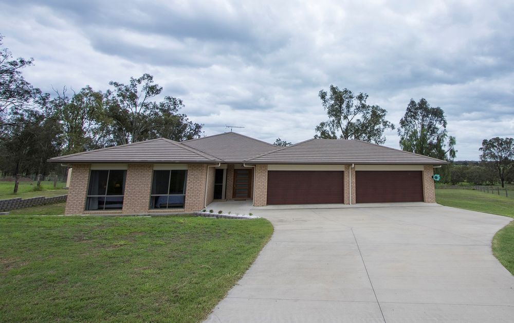 2 Kerry View Ct , Forest Hill QLD 4342, Image 0