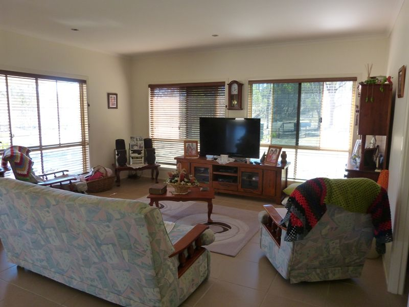 52 Godbar rd, Kilkivan QLD 4600, Image 2