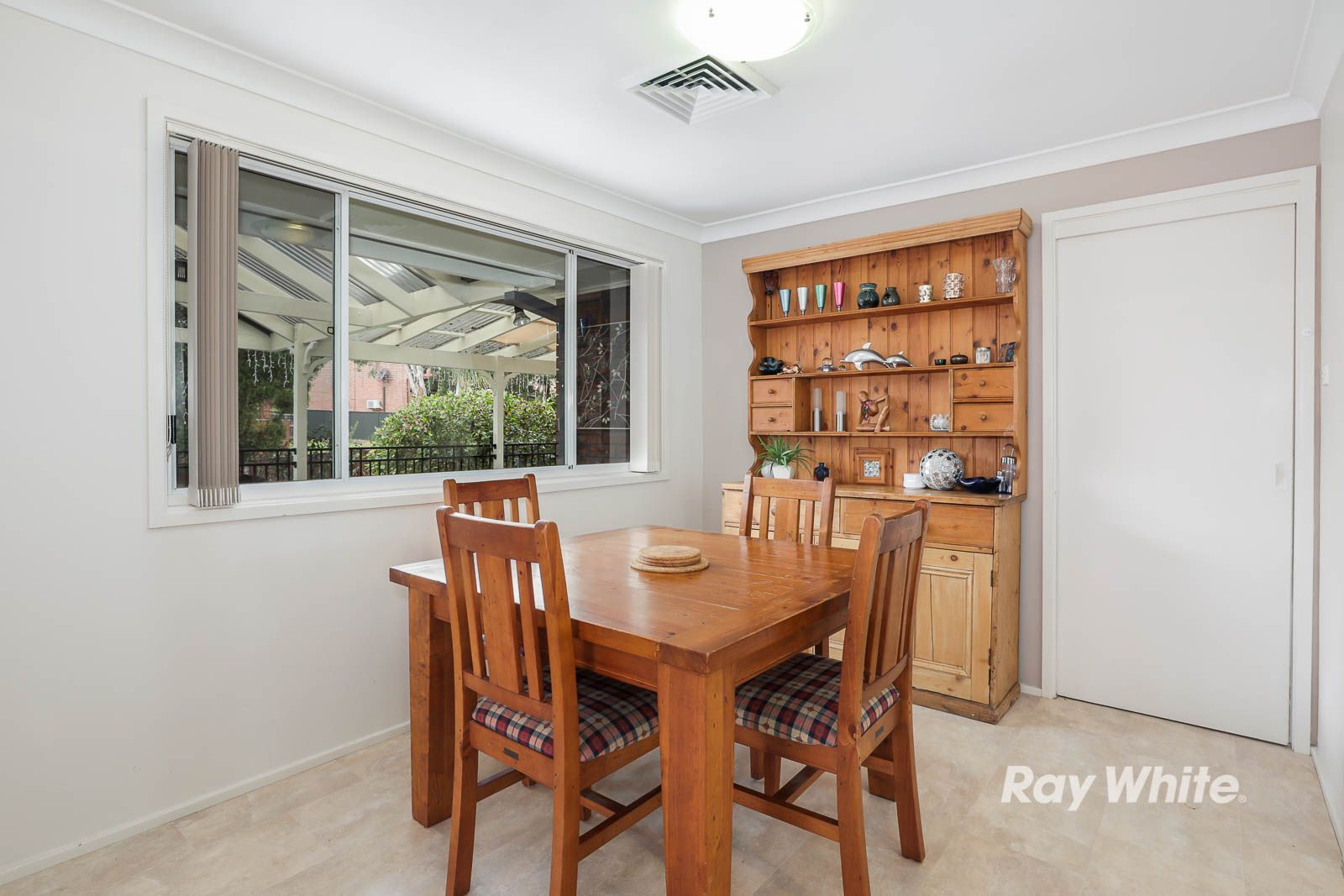 8 Winchcombe Place, Castle Hill NSW 2154, Image 2