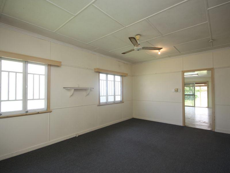 8 Dennis Street, Ayr QLD 4807, Image 2