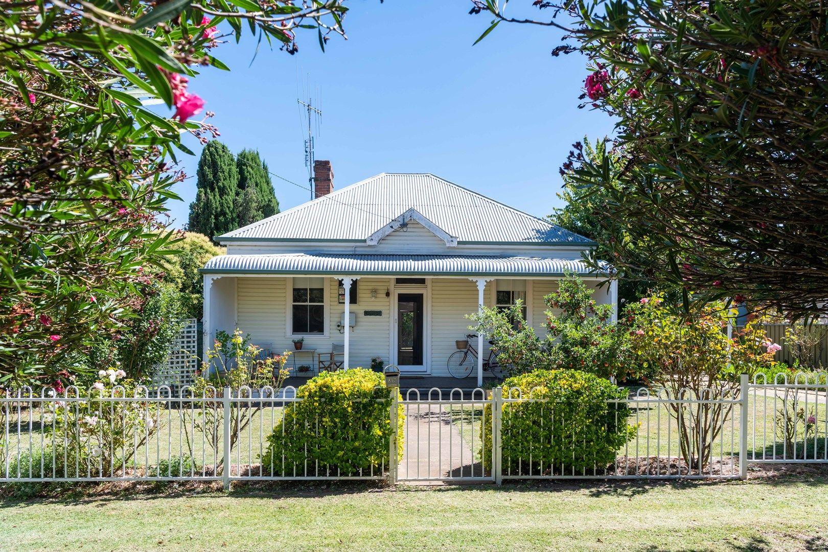 39 Queen Street, Boorowa NSW 2586, Image 0