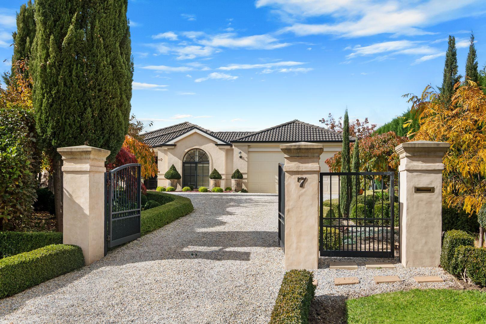 7 Romney Place, Burradoo NSW 2576, Image 0