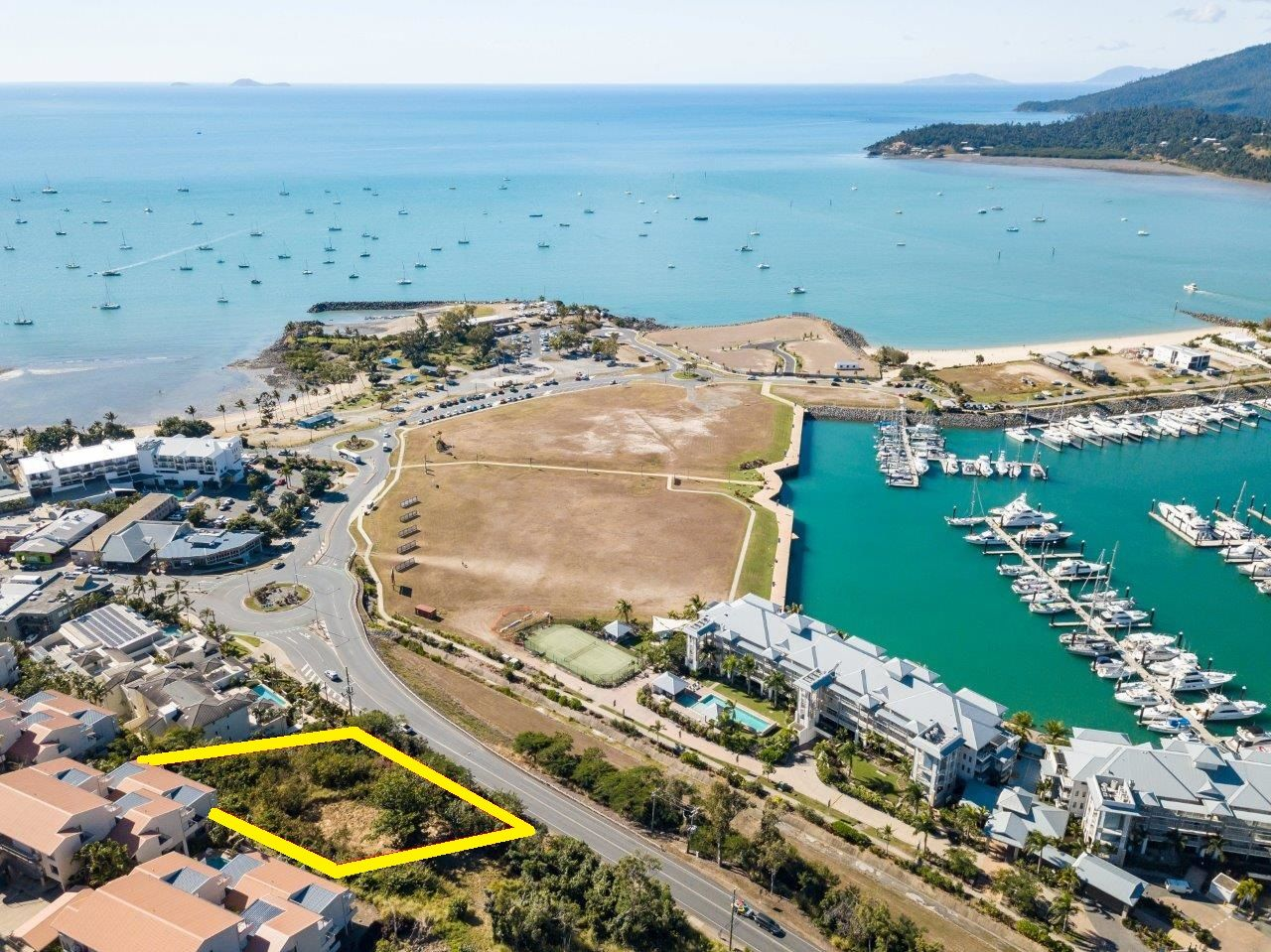 414-418 Shute Harbour Road, Airlie Beach QLD 4802, Image 2