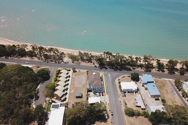 Picture of 319b Esplanade, SCARNESS QLD 4655