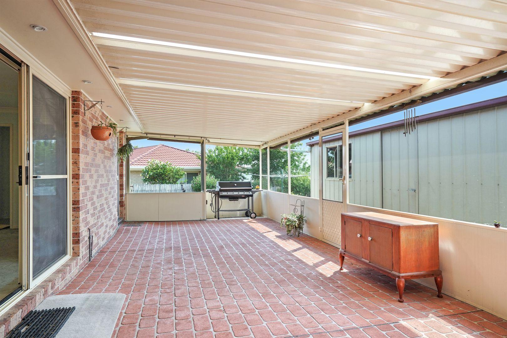 6 Nagle Crescent, Blue Haven NSW 2262, Image 2