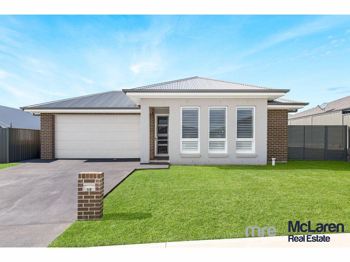 19 Golden Wattle Avenue, Gregory Hills NSW 2557, Image 0
