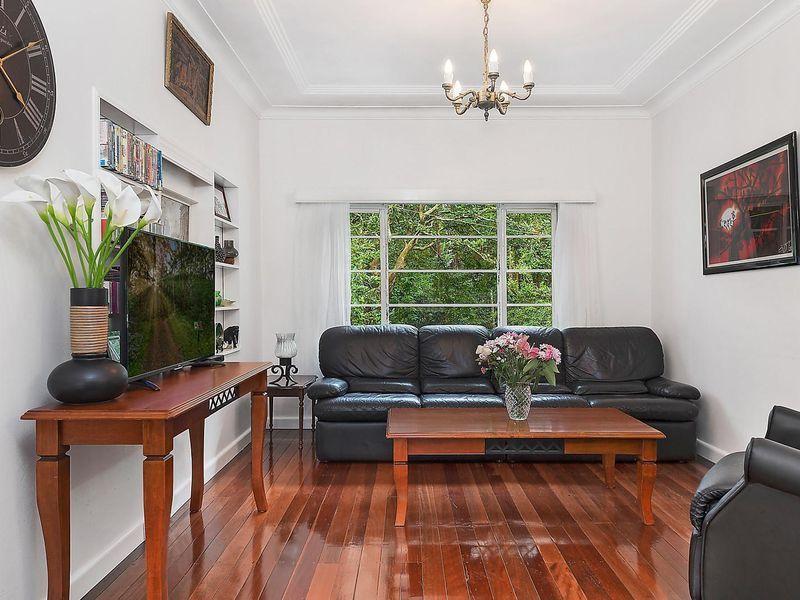 4 Mahratta Avenue, Wahroonga NSW 2076, Image 2