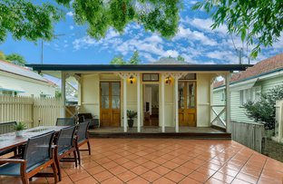 Picture of 77 Gray Road, West End QLD 4101