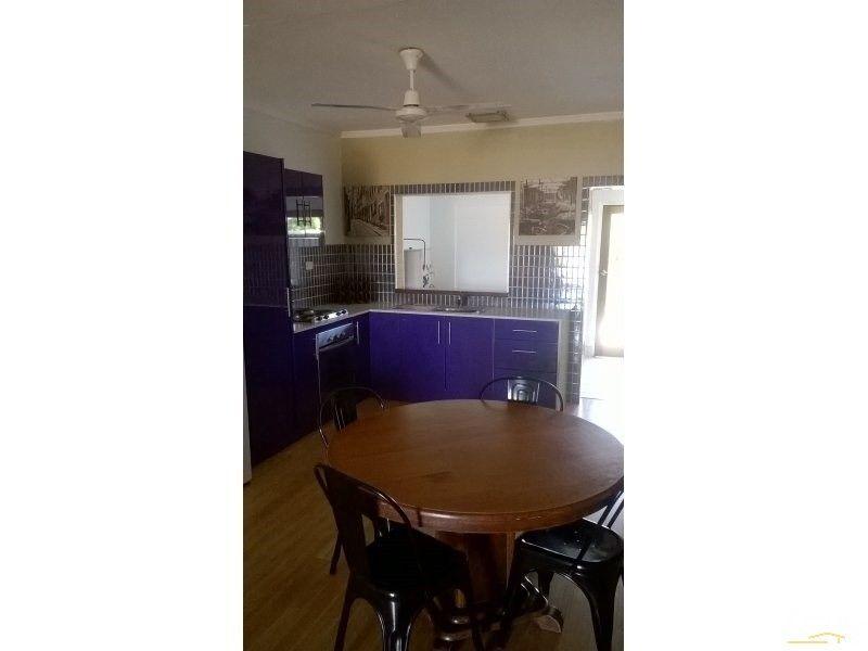 2/10 Nona Street, Bowen QLD 4805, Image 2