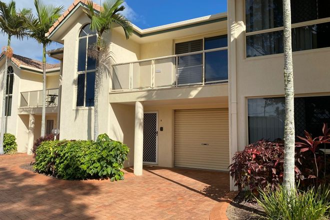 Picture of 2/21 Campbell Street, TORQUAY QLD 4655