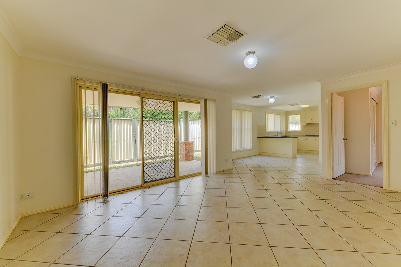 2/45 Peregrine Avenue, Tamworth NSW 2340, Image 1