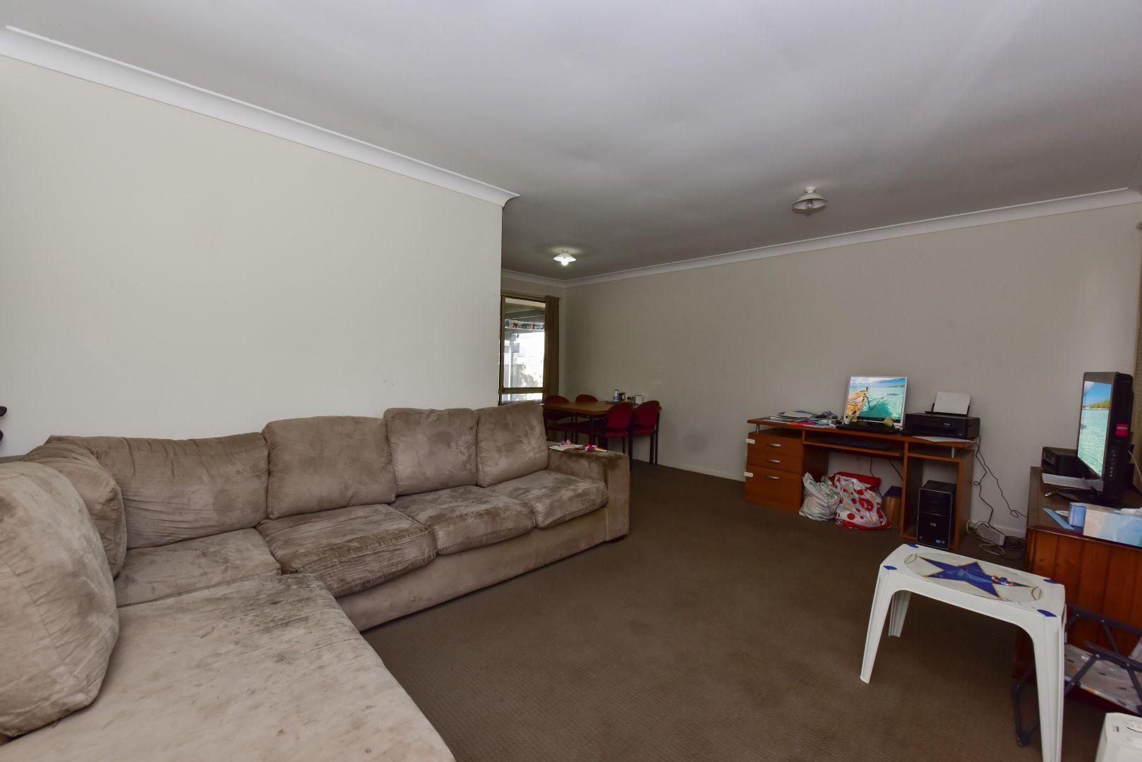 48 Hempstalk Crescent, Kariong NSW 2250, Image 2