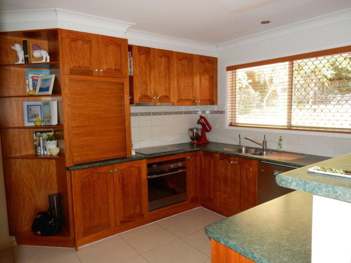 14 Merinda Court, Southport QLD 4215, Image 2