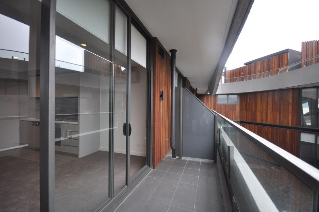 318/6 Acacia Place, Abbotsford VIC 3067, Image 2
