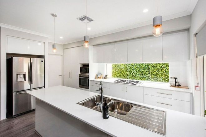 Picture of 1 Margery Close, BELDON WA 6027