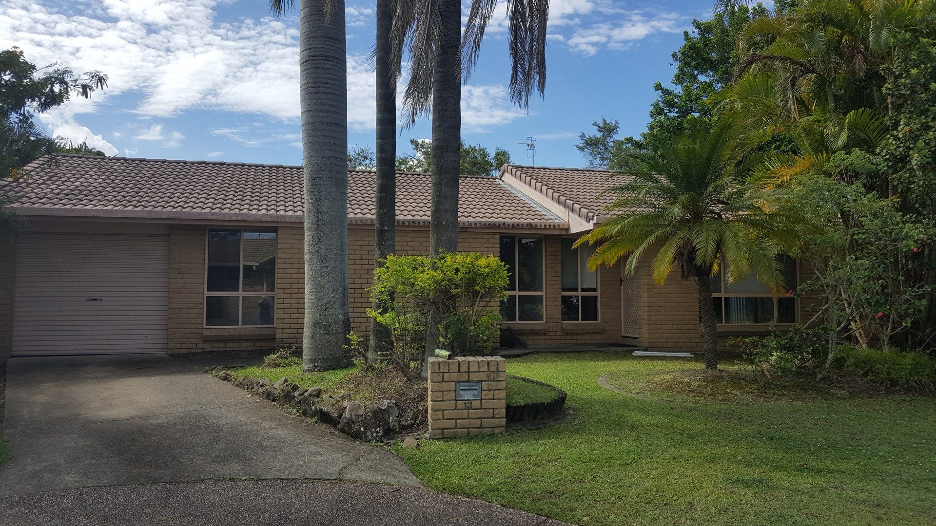 13 Gladful  Court, Varsity Lakes QLD 4227, Image 0