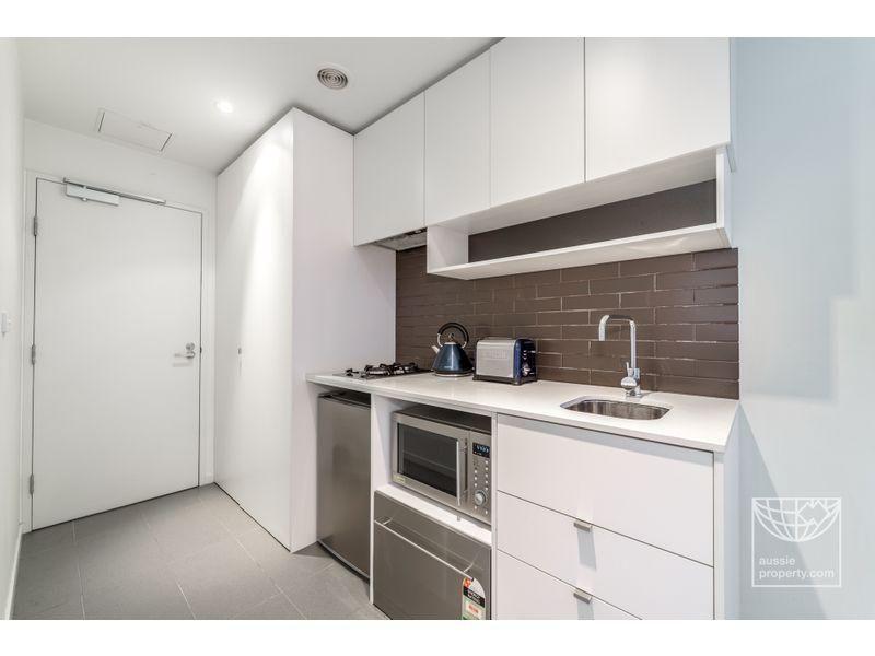 807/243 Franklin Street, Melbourne VIC 3000, Image 1