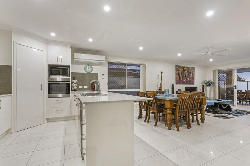16 Honeymyrtle Street, Banksia Beach QLD 4507, Image 2