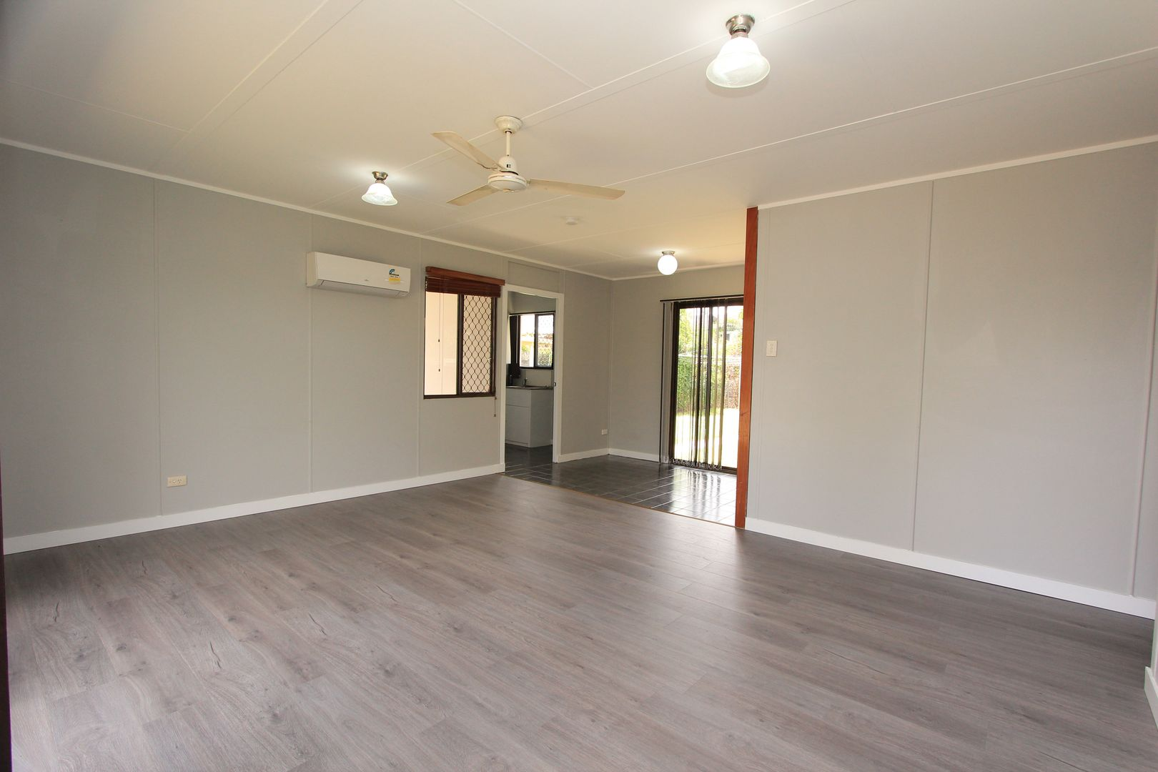 52 Ruby Round, Kelso QLD 4815, Image 2