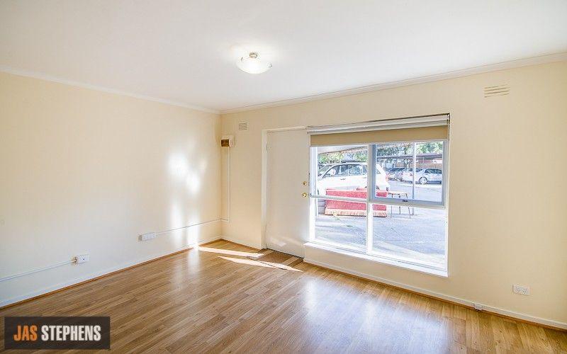 10/1 Hatfield Court, West Footscray VIC 3012, Image 2
