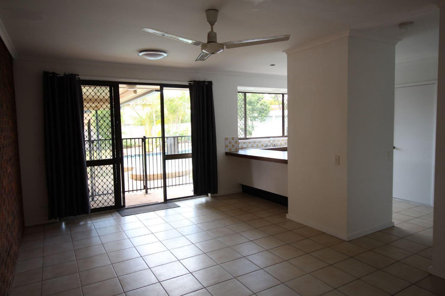 18 Bodian Street, Carindale QLD 4152, Image 2