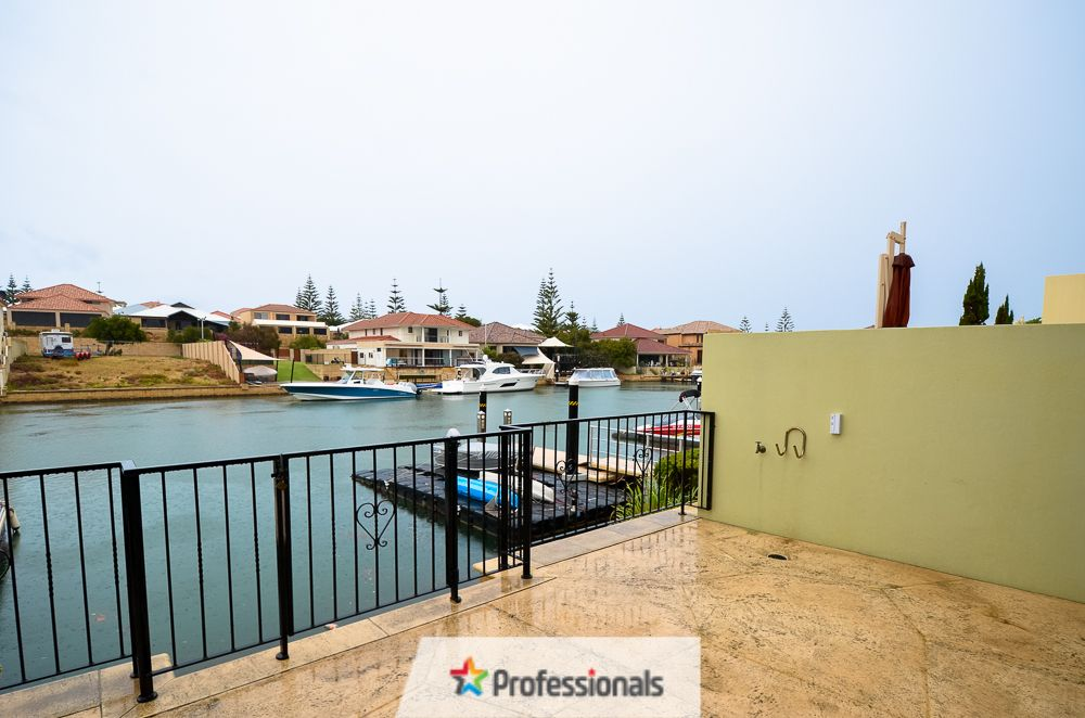 30/18 Port Quays, Wannanup WA 6210, Image 0