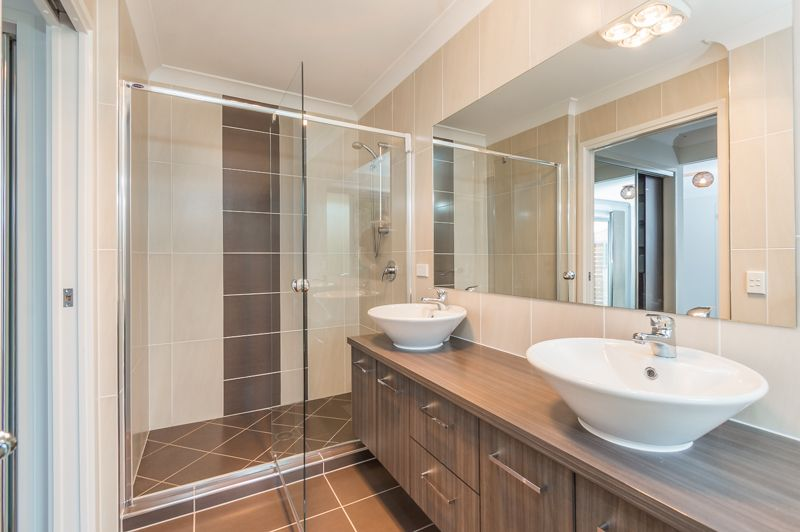 51 Waterhousia Place, Moggill QLD 4070, Image 2