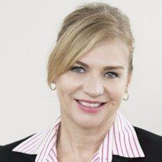Flora Ganter, Associate - Sales & Marketing