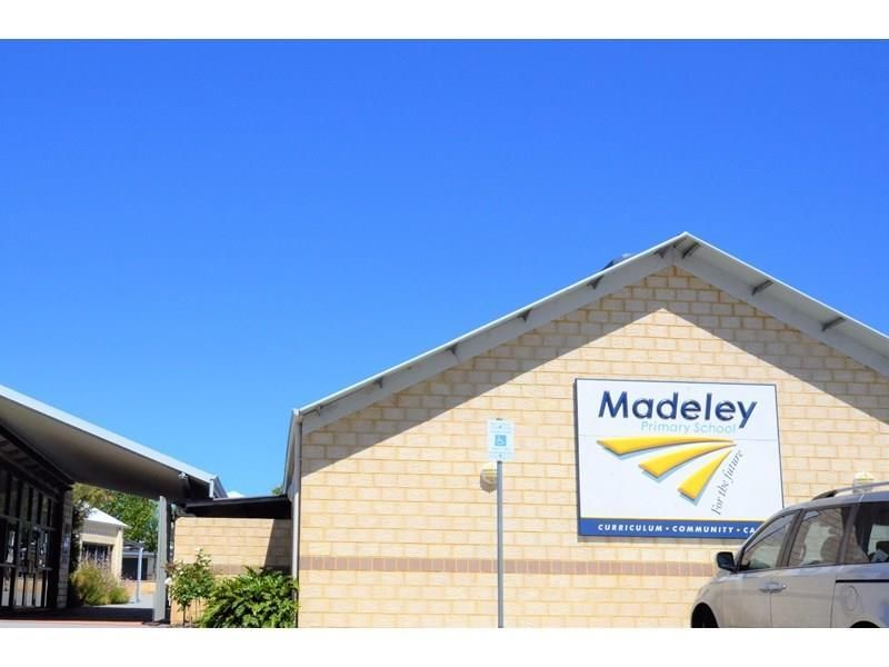 93 Russell Road, Madeley WA 6065, Image 1