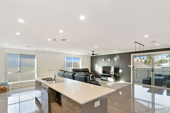 Picture of 14 Dimboola Way, ORANGE NSW 2800
