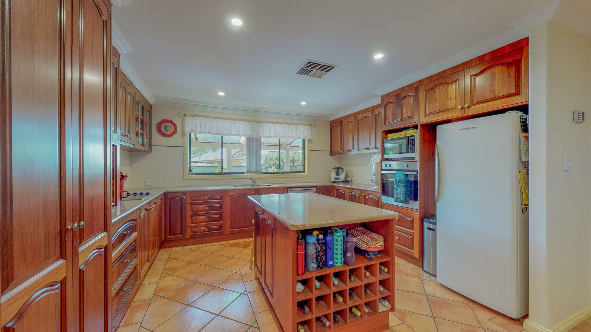 46 Castlereagh Avenue, Dubbo NSW 2830, Image 2