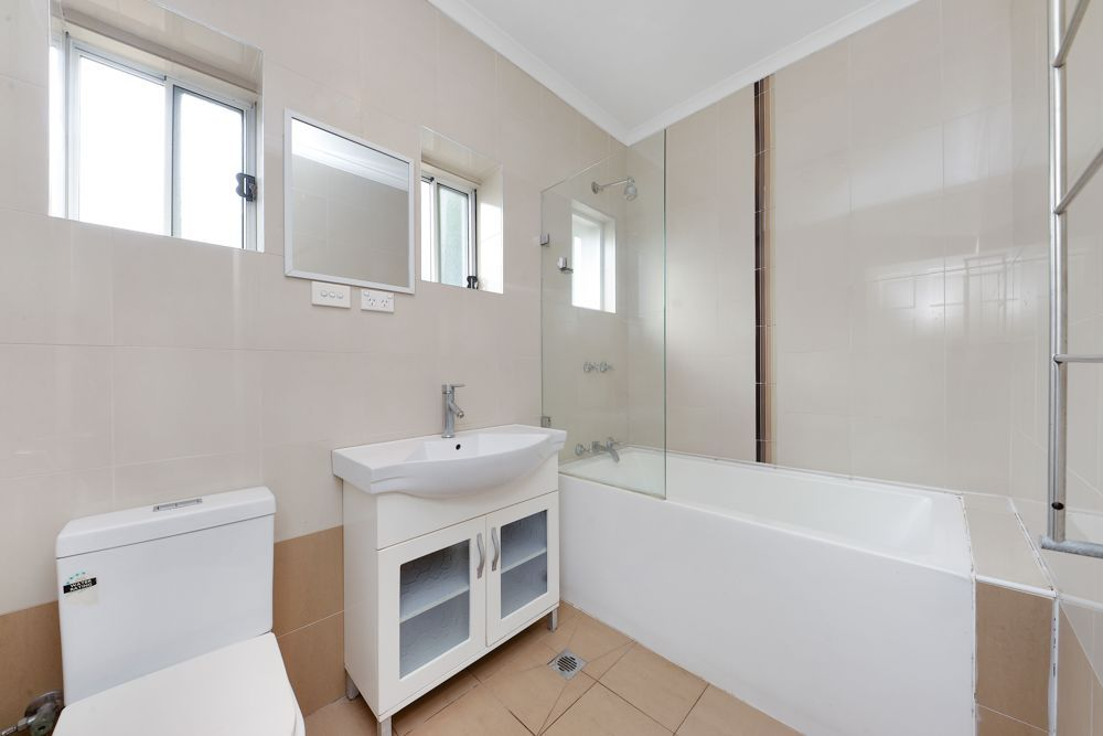 33 Fraser Avenue, Eastgardens NSW 2036, Image 2