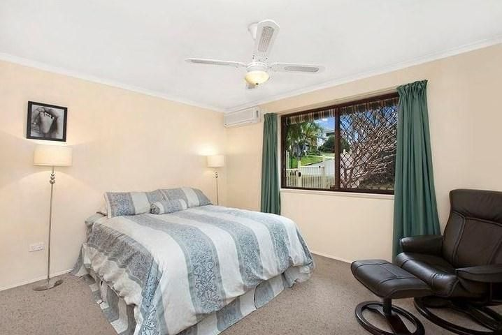 36 Wistaria Avenue, Southport QLD 4215, Image 2