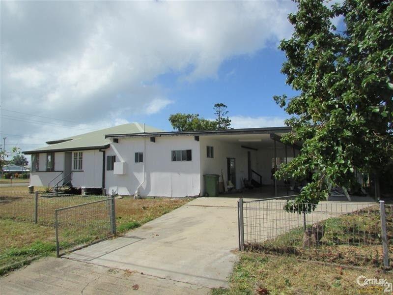 19 Murroona Street, Bowen QLD 4805, Image 2