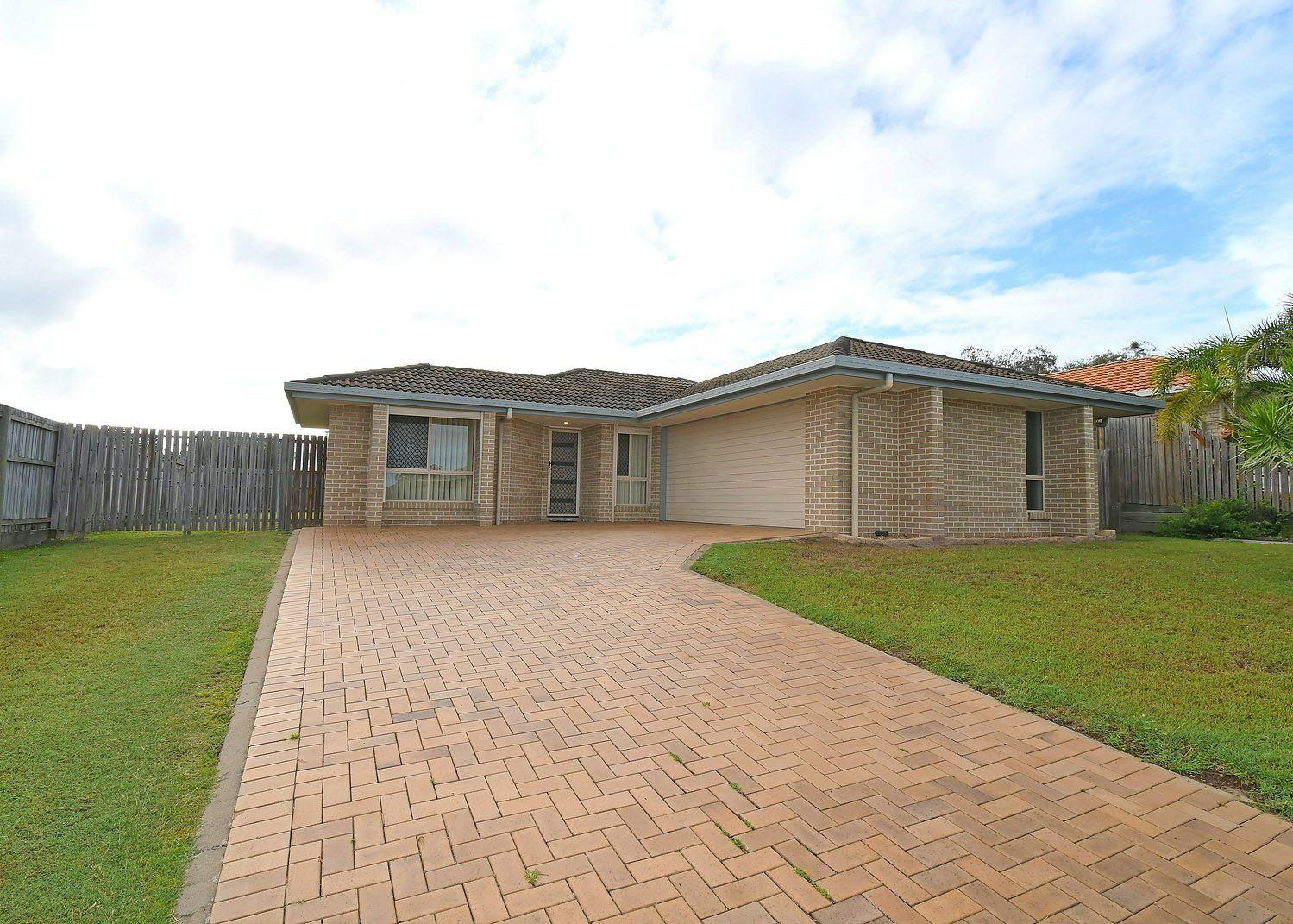 20 Picadilly Circuit, Urraween QLD 4655, Image 0