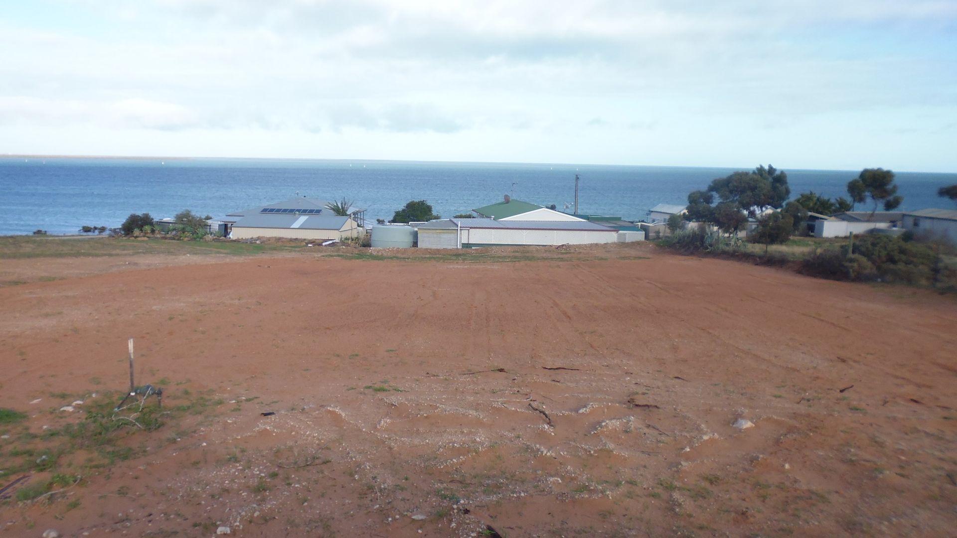 4 Pirie View Road, Weeroona Island SA 5495, Image 2