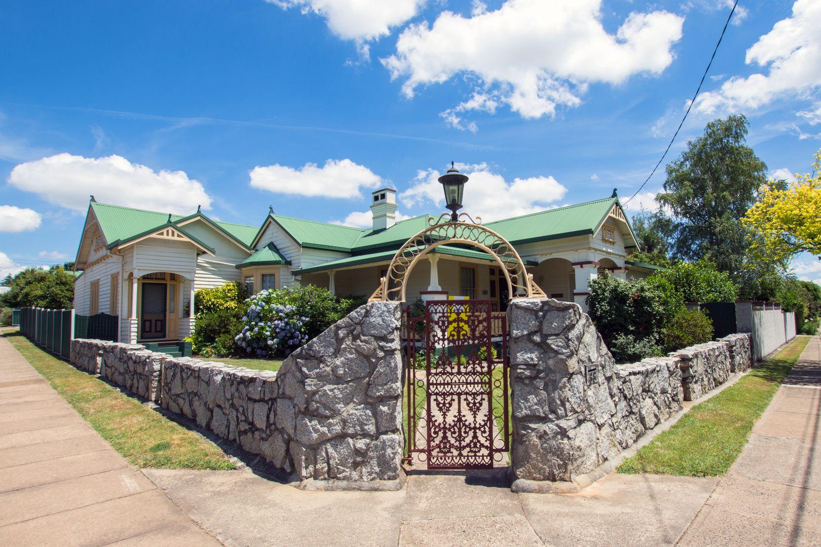 88 West Avenue, Glen Innes NSW 2370, Image 0