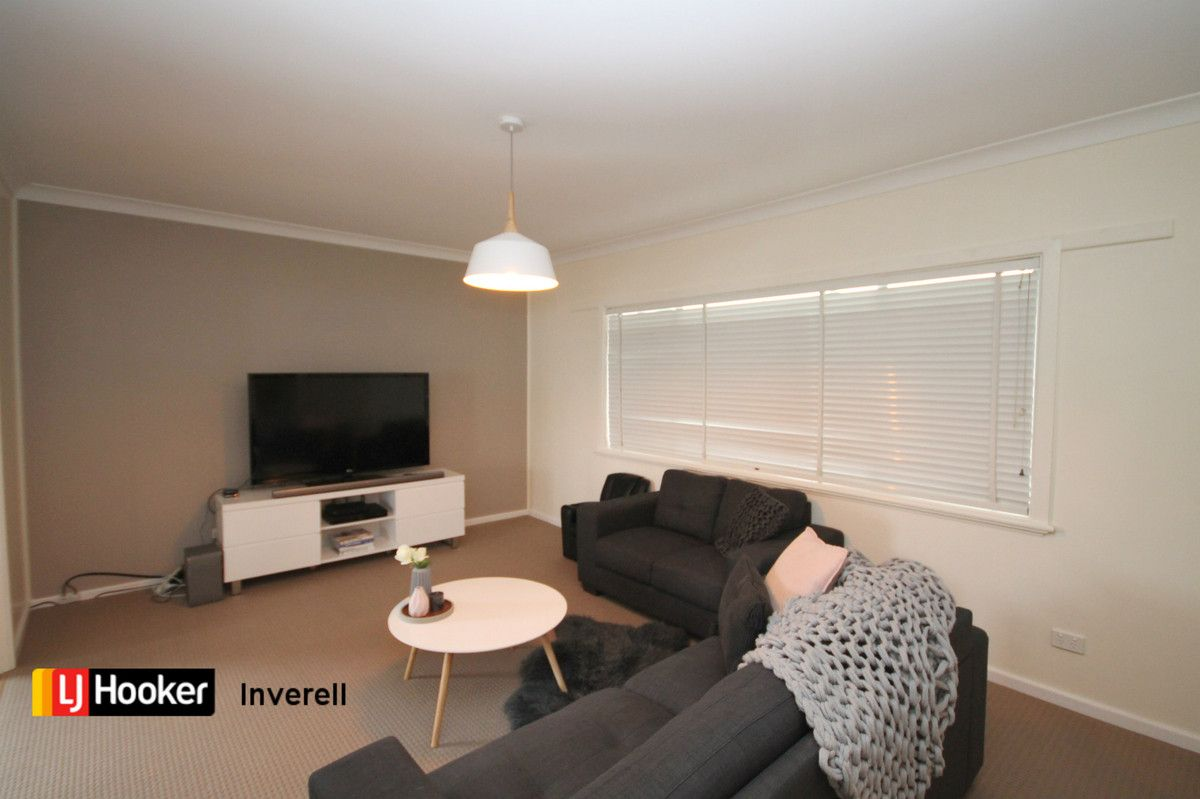 16 Carlyle Street, Inverell NSW 2360, Image 2