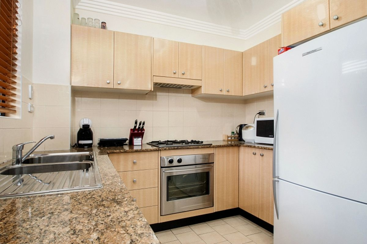 15/49 Dobson Crescent, Baulkham Hills NSW 2153, Image 2