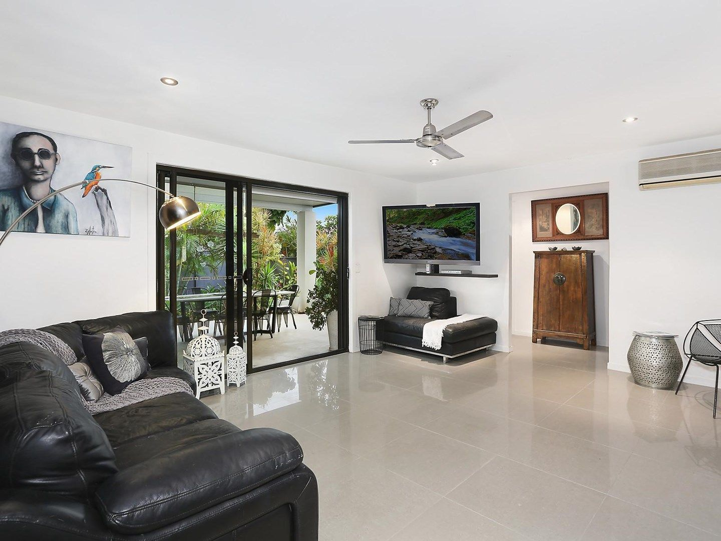 1 Tekapo Street, Broadbeach Waters QLD 4218, Image 1