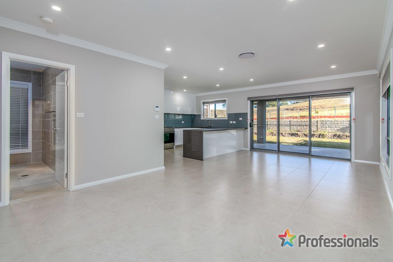 37 Longerenong Avenue, Box Hill NSW 2765, Image 2