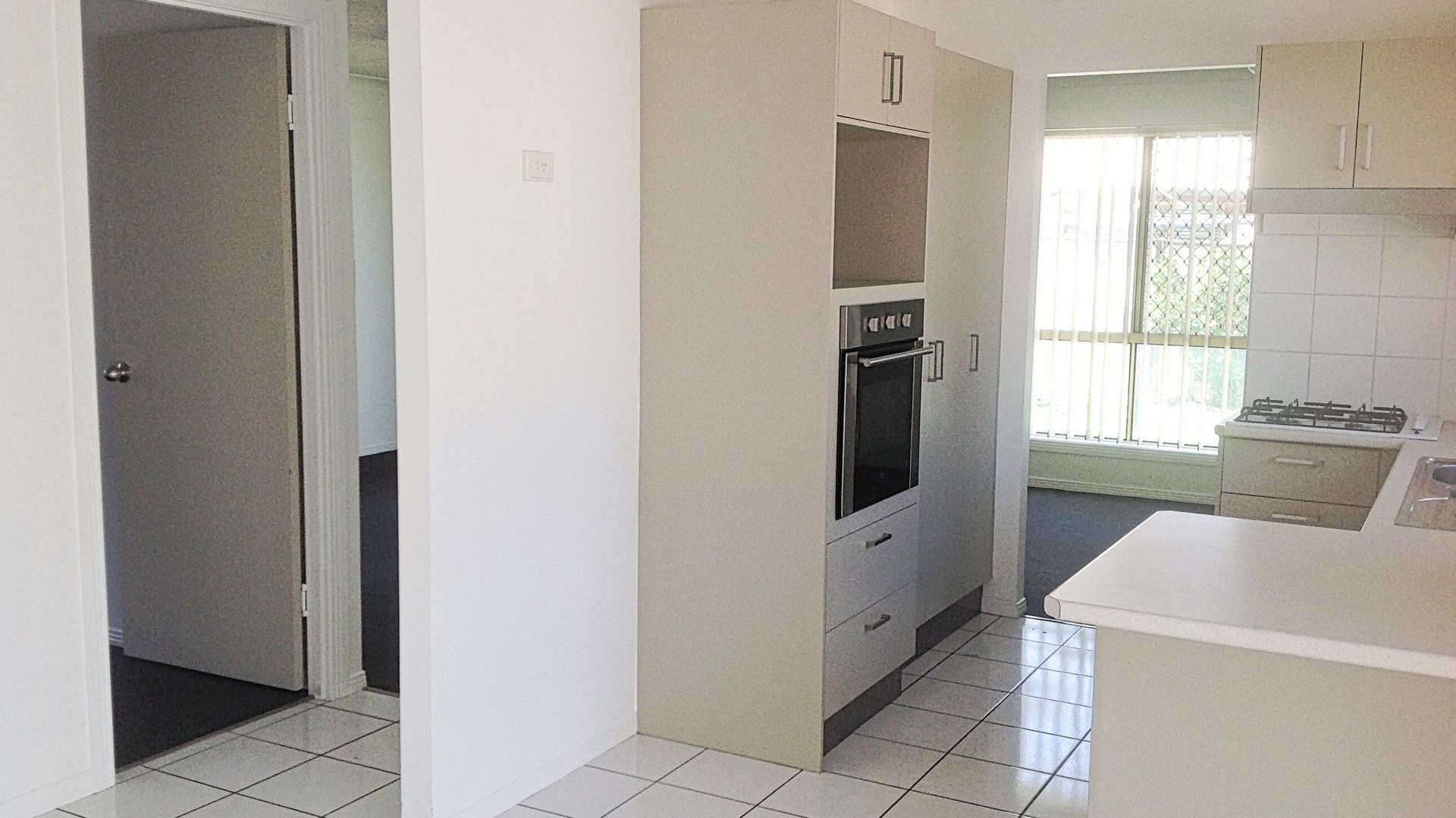 6 Beaufront Place, Forest Lake QLD 4078, Image 2