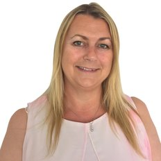 Tanya Smith, Sales representative