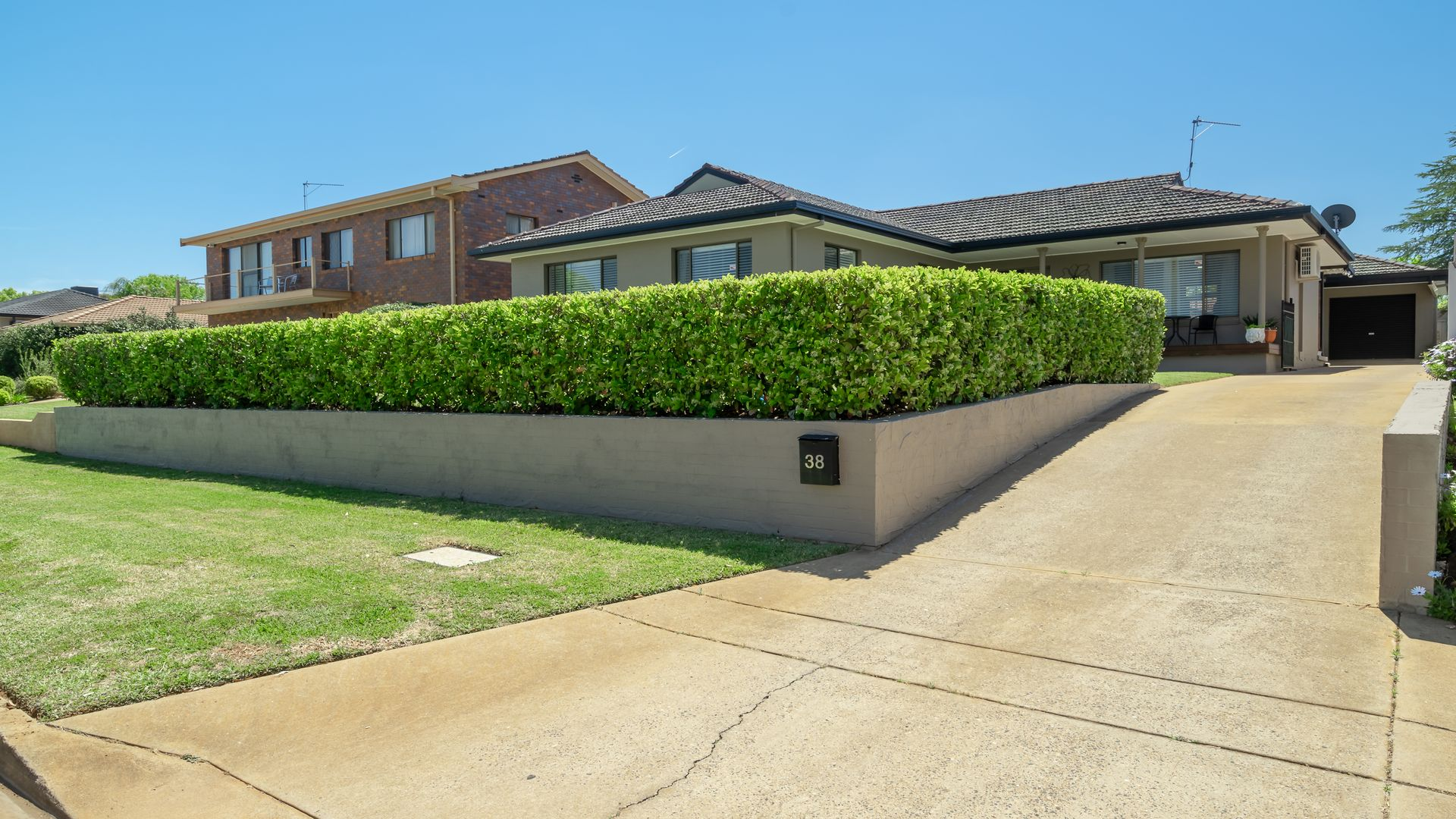 38 Fairview Street, Dubbo NSW 2830, Image 2