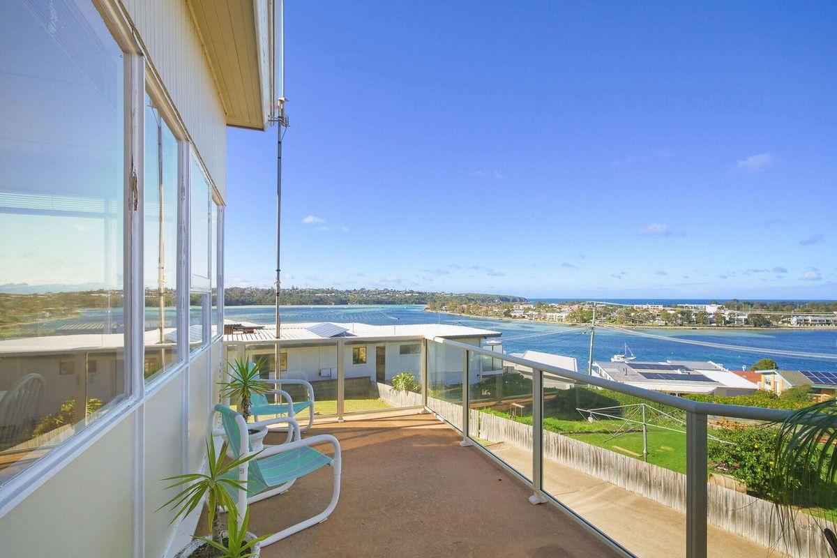 8 Ocean View Avenue, Merimbula NSW 2548, Image 2