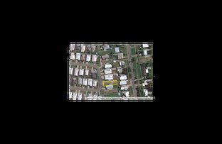 Picture of 18 &/24 Hollanders Crescent, Kelso QLD 4815