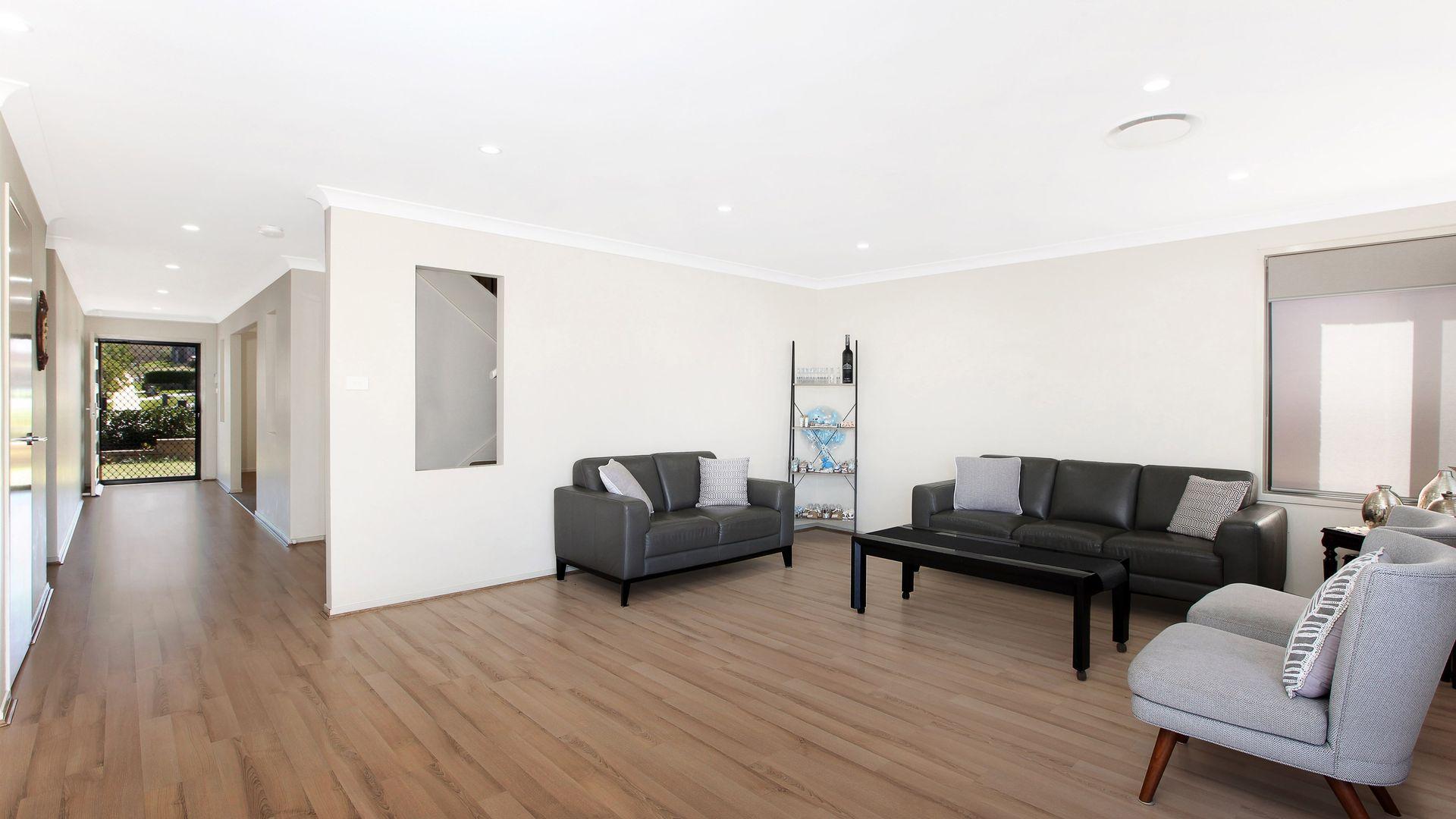 21 Thomas Hassall Ave, Middleton Grange NSW 2171, Image 1